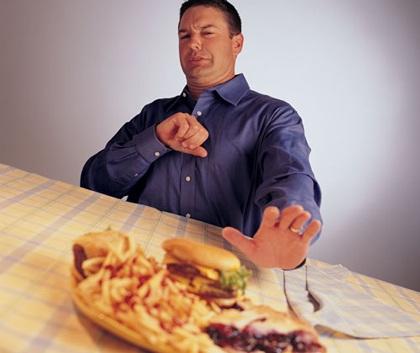 Người có triệu chứng trào ngược dạ dày thực quản nên kiêng ăn gì?