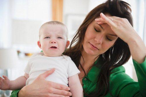 Trẻ có biểu hiện trào ngược dạ dày, có nguy hiểm không?