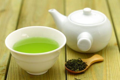 Có phải trà xanh gây trầm trọng thêm trào ngược dạ dày?