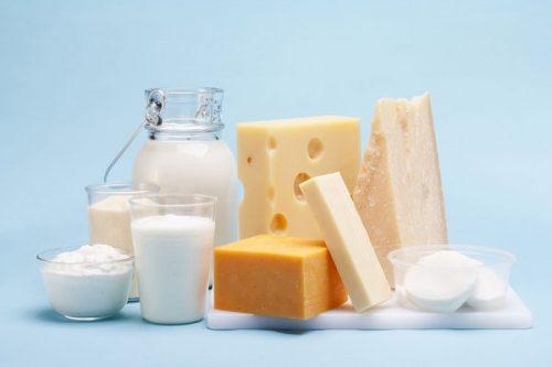 Bị trào ngược dạ dày, bạn có nên dùng các sản phẩm từ sữa?