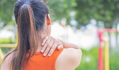 Bị trào ngược dạ dày có dẫn tới đau lưng trên không?