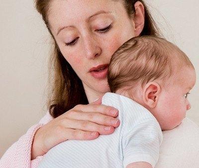 Những hướng dẫn cơ bản mẹ cần biết khi trẻ sơ sinh bị ợ hơi nhiều