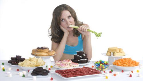 Ăn uống thiếu khoa học khiến dạ dày khó chịu, nóng rát