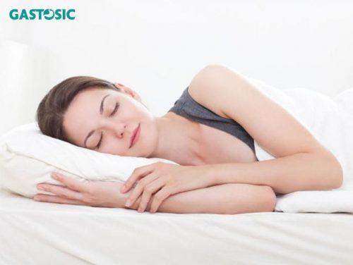Kê cao gối khi ngủ