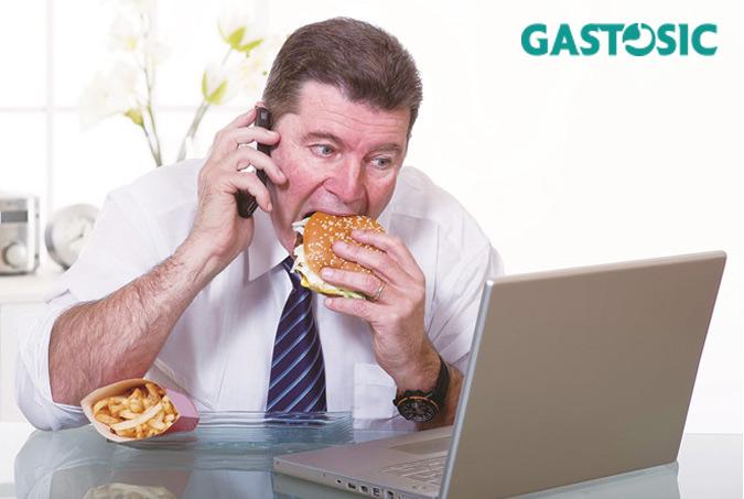 Ăn uống không khoa học nguyên nhân dẫn đến ợ hơi nóng bụng