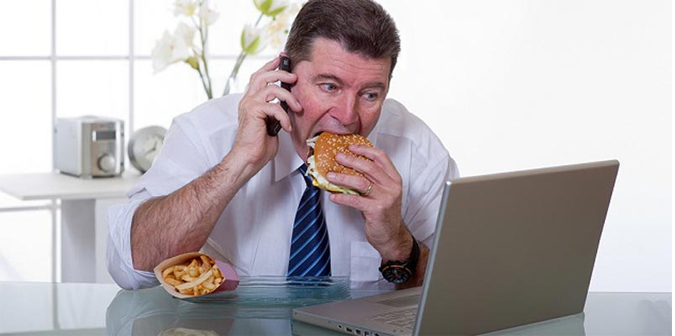 Ăn uống không đúng cách khiến hệ tiêu hóa khó chịu
