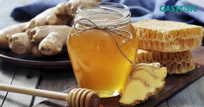 Gừng và mật ong khắc phục hiệu quả tình trạng ợ chua ăn không tiêu