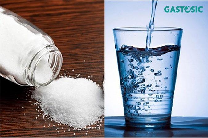 nước muối ấm có nhiều tác dụng