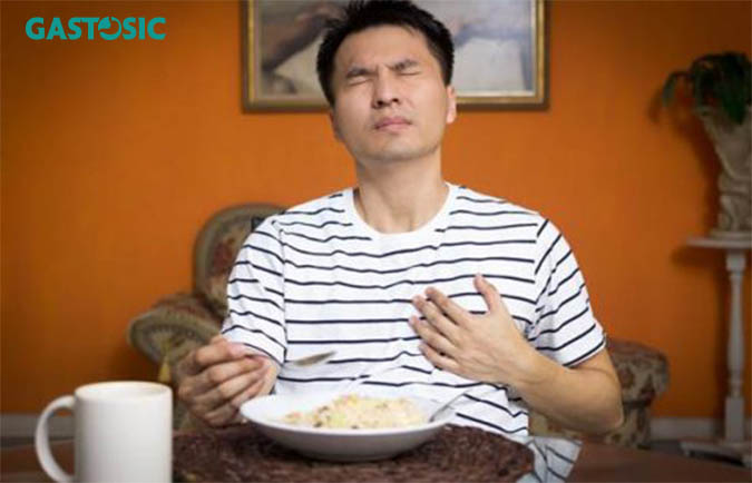 Hiện tượng ợ chua sau khi ăn