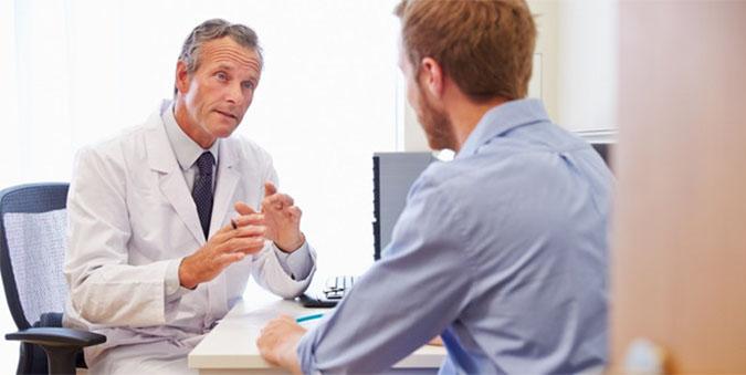 thăm khám bác sĩ khi bệnh trở nặng