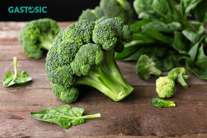 Ăn nhiều rau xanh tốt cho ợ chua thường xuyên