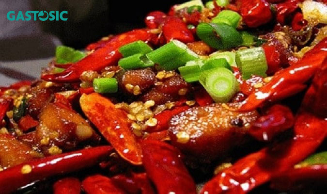 Ăn thức ăn cay nóng