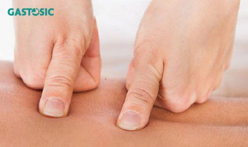 10 cách bấm huyệt xoa bóp chữa trào ngược dạ dày hiệu quả
