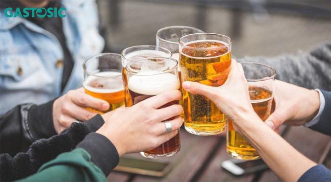 Ợ nóng cần tránh uống bia