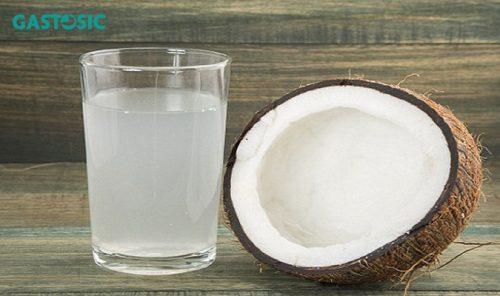 Trào ngược dạ dày có nên uống nước dừa ? Uống thế nào cho đúng cách ?