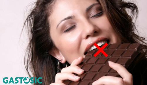 Trào ngược dạ dày thực quản ăn socola có được không?