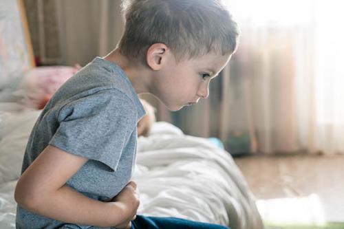 Trào ngược dạ dày ở trẻ em: dấu hiệu, nguyên nhân và cách chữa